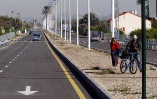 La nueva avenida de Beniaján, que une La Fica con la curva del Canute, se abrió el 18 de diciembre sin corte de cinta. Marcial Guillén